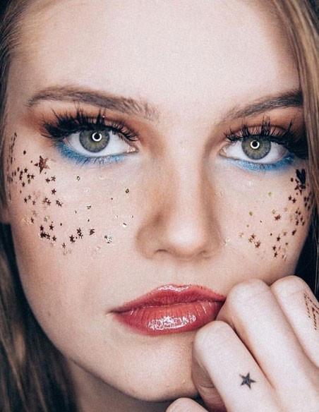 Tetovačky na tvár